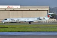 Photo: Air Canada Express, Canadair CRJ Regional Jet, C-GDJZ