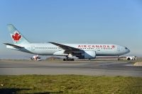 Photo: Air Canada, Boeing 777-200, C-FIUJ