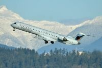 Photo: Air Canada Express, Canadair CRJ Regional Jet, C-FTJZ