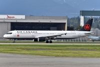 Photo: Air Canada, Airbus A321, C-GIUF