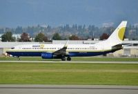 Photo: Miami Air, Boeing 737-800, N739MA