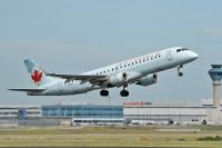 Photo: Air Canada, Embraer EMB-190, C-FHNP