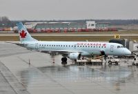 Photo: Air Canada, Embraer EMB-190, C-FHKE