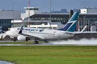 Photo: WestJet, Boeing 737-700, C-FBWJ