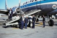 Photo: United Airlines, Douglas DC-6, N37518