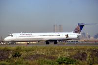 Photo: Continental Airlines, McDonnell Douglas MD-80, N76823