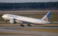 Photo: Continental Airlines, Boeing 777-200, N76010