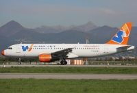 Photo: Windjet, Airbus A320, F-GJVC