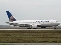 Photo: Continental Airlines, Boeing 767-200, N76151