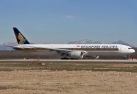 Photo: Singapore Airlines, Boeing 777-300, 9V-SWF