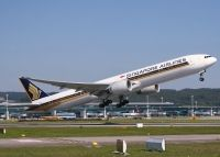 Photo: Singapore Airlines, Boeing 777-300, 9V-SWG