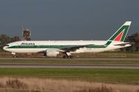 Photo: Alitalia, Boeing 777-200, EI-DDH