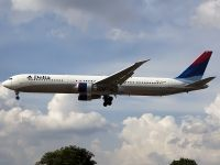 Photo: Delta Air Lines, Boeing 767-400, N842MH