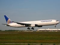 Photo: Continental Airlines, Boeing 767-400, N76065