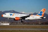 Photo: Windjet, Airbus A319, EI-DVD