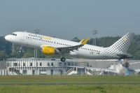 Photo: Vueling Airlines, Airbus A320, F-WWIV