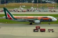 Photo: Alitalia, Airbus A320, EI-DSW