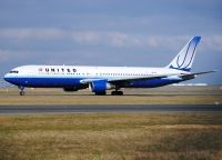 Photo: United Airlines, Boeing 767-300, N651UA