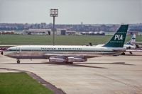 Photo: Pakistan International Airlines - PIA, Boeing 720, AP-AMJ
