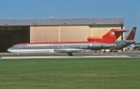 Photo: Northwest Airlines, Boeing 727-200, N284US