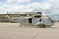 Photo: Royal Australian Navy, Sikorsky SH-3H Sea King, N16-118