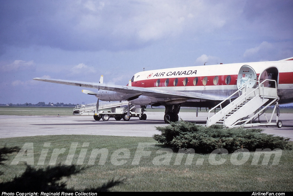 Air Canada Vickers Viscount awaits passengers at London, Ontario in September of 1966. London was a regular schedule destination for Air Canada Viscounts and even Vanguards in the 1960s and early 1970s.