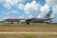 Photo: American Airlines, Boeing 757-200, N660AM