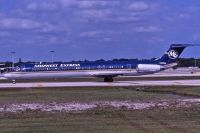 Photo: Midwest Express Airlines, McDonnell Douglas MD-80, N810ME
