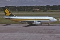Photo: Singapore Airlines, Airbus A310, 9V-STJ