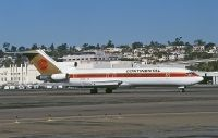 Photo: Continental Airlines, Boeing 727-200, N16758