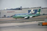 Photo: Braniff International Airways, Boeing 720, N7078