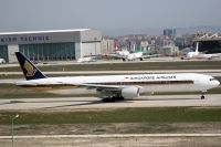 Photo: Singapore Airlines, Boeing 777-300, 9V-SYK