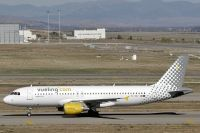 Photo: Vueling Airlines, Airbus A320, EC-KEZ