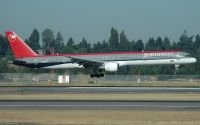 Photo: Northwest Airlines, Boeing 757-300, N586NW