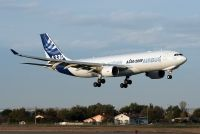Photo: Airbus Industrie, Airbus A330-200, F-WWYE