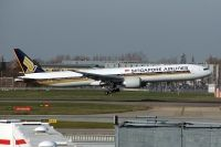Photo: Singapore Airlines, Boeing 777-300, 9V-SWV