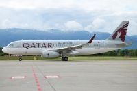 Photo: Qatar Airways, Airbus A320, A7-AHP