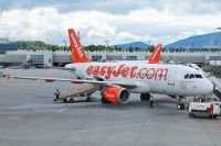 Photo: EasyJet Airline, Airbus A319, G-EZIL