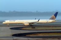 Photo: United Airlines, Boeing 757-300, N77865