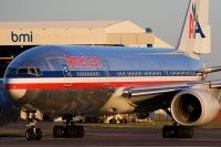 Photo: American Airlines, Boeing 777-200