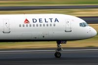 Photo: Delta Air Lines, Boeing 757-300, N586NW