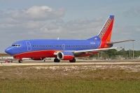 Photo: Southwest Airlines, Boeing 737-300, N389SW