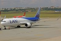Photo: LAN Airlines, Boeing 767-300, CC-BJA