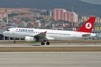 Photo: Turkish Airlines THY, Airbus A320, TC-JLJ