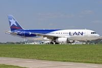 Photo: LAN Argentina, Airbus A320, LV-BRY