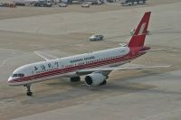 Photo: Shanghai Airlines, Boeing 757-200, B-2808