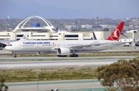 Photo: Turkish Airlines THY, Boeing 777-300, TC-JJE