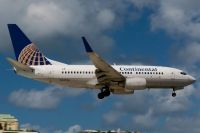 Photo: Continental Airlines, Boeing 737-700, N24736