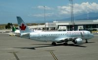 Photo: Air Canada, Embraer EMB-190, C-FHNX
