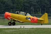 Photo: KLu Historische Vlucht, North American T-6 Texan, PH-MLM
